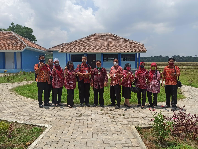 Studi Tiru SMPN 11 dan 31 Semarang