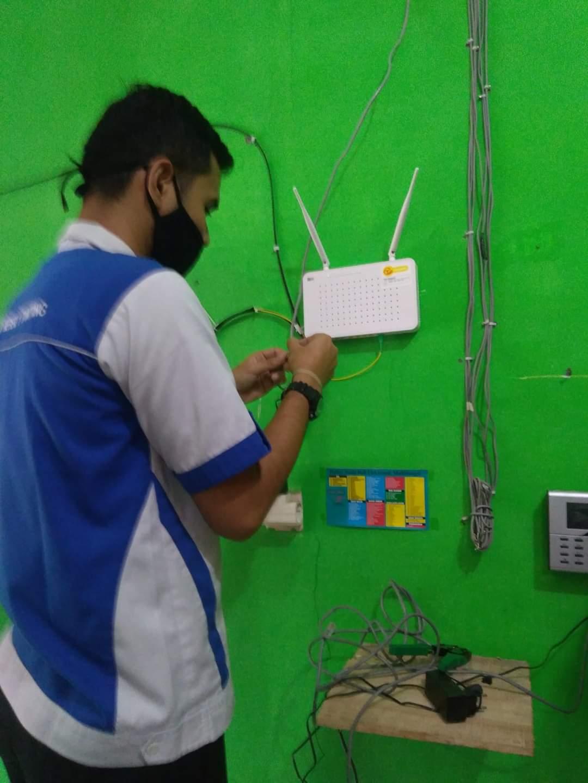 Pemasangan Jaringan Internet di SD Ngajaran 03