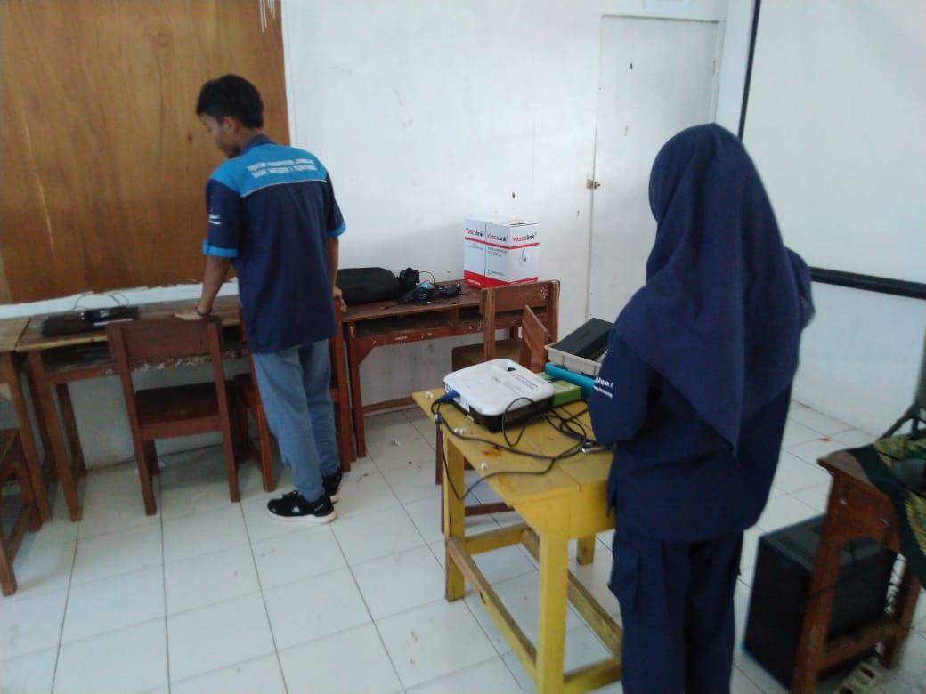 SMKN 1 Tuntang Bangun Jaringan Lab SMK Mutipuga