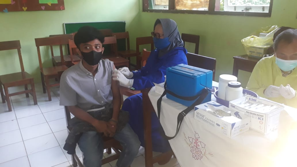 Vaksinasi Tahap 1 Peserta Didik SMKN 1 Tuntang